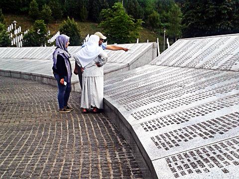 srebrenica memorial 4